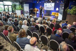 Marjolein interviewt voorzitter van de Huurdersraad Cees van der Harst